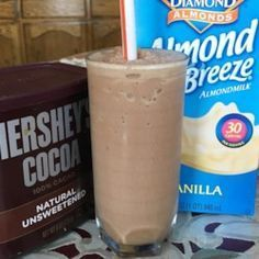Peanut Butter Smoothie You don't have to give up delicious chocolate shakes on a low-carb diet; just use this recipe for a delicious treat.You don't have to give up delicious chocolate shakes on a low-carb diet; just use this recipe for a delicious treat. Smoothie King, Smoothie Low Carb, Smoothie Vert, Pb2 Smoothie, Grapefruit Smoothie, Coconut Milk Smoothie, Smoothie Drinks, Peanutbutter Smoothie Recipes, Chocolate Peanut Butter Smoothie