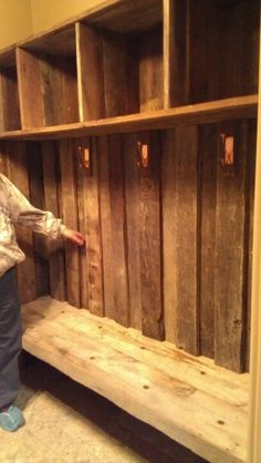 Barn wood for mud room Barn Wood Crafts, Barn Wood Projects, Home Projects, Wood Lockers, Gun Rooms, Bungalow, Western Homes, Into The Woods, Diy Furniture