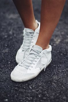 golden goose deluxe brand mid star sneakers white