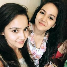 love you naina and preeti💟💞 You Say It Best, Love You A Lot, Girl Photo Poses, Girl Photos, Sis Loves, Tv Actors, Celebs, Celebrities, On Set