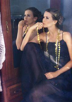 Claudia Schiffer, CHANEL boutique p/e 1993