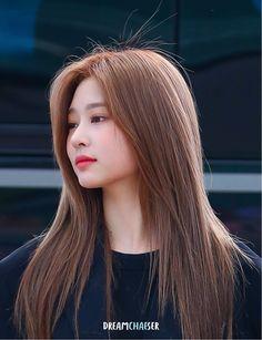 "a needed thread for everyone"" Asian Haircut Female, Kpop Girl Groups, Kpop Girls, Kpop Hair Color, Ulzzang Hair, Pretty Korean Girls, Japanese Girl Group, Haircuts For Long Hair, Famous Girls"
