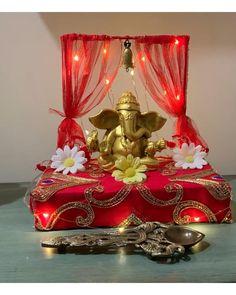 Ganpati Decoration Theme, Eco Friendly Ganpati Decoration, Mandir Decoration, Ganapati Decoration, Diwali Decorations At Home, Festival Decorations, Background Decoration, Backdrop Decorations, Diy Wall Art