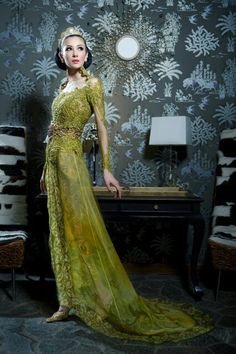 Kebaya - gorgeous and so is the styling of this shot #Indonesia