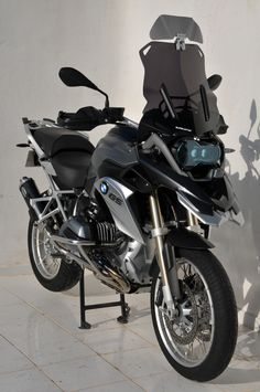 """46cm windshield with air intake and """"Clip & Flip"""" extension adjustable"""