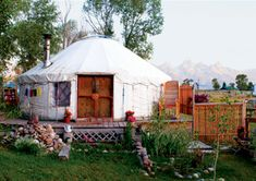 I wouldn't mind living in a yurt in Kelly for a spell...