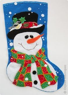 A Guide to Christmas Party Games Felt Christmas Ornaments, Christmas Cross, Christmas Stockings, Felt Stocking, Stocking Tree, Christmas Events, Christmas Party Games, Snowman Crafts, Christmas Gifts For Women