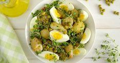 Sałatka z groszkiem, młodymi ziemniakami i jajkiem