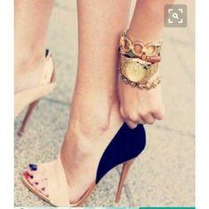#fashionshoes #shoeslovers #heelsmurah #platform #platformmurah #shoeselfie #platforms #style #mango #sandals