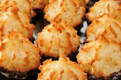Biscuits Archives - Page 5 sur 7 - Pause Gourmande Macaroon Recipes, Dessert Recipes, Healthy Hanukkah Recipes, Hanukkah Food, Passover Recipes, Anna Olson, Biscuit Cookies, Toasted Coconut, Desert Recipes