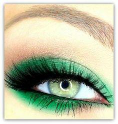 Vegan, high pigmented eye shadow. Wanelo