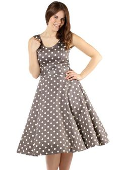 Dark Mocha Polka Dot Charlotte, circle dress by Lady Vintage  Exclusively available in Miss Windy Shop! www.misswindyshop.com   #polkadot #dress #mocha #pockets #circledress #vintagestyle #fiftiesstyle #petticoat