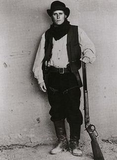 Billy the kid. William H Bonney, Cowboys & Aliens, Western Costumes, Emilio Estevez, Cowboy Pictures, Billy The Kids, Best Pal, Young Guns, Western Movies