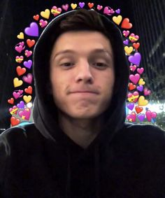 So perfect 😍😍 Tom Holand, Baby Toms, Heart Meme, Tom Holland Peter Parker, Tommy Boy, Wholesome Memes, Love Memes, Marvel Memes, Reaction Pictures
