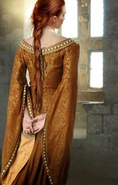 medieval gown. Elle the dragon slayer
