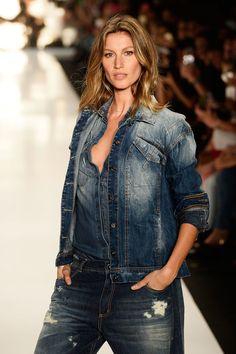 Gisele Bündchen strutted her stuff on the runway on Monday in Sao Paulo, Brazil.