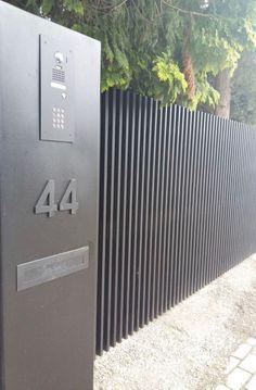 68 Ideas Garden Ideas Cheap Fence Simple For 2019 Diy Dog Fence, Diy Garden Fence, Backyard Fences, Yard Landscaping, Garden Paths, Front Yard Fence, Front Gates, Entrance Gates, Entrance Ideas