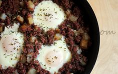 Eggs in Corned Beef and Hash