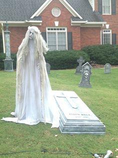 Day grave slab Halloween Outside, Halloween Graveyard, Halloween Tombstones, Theme Halloween, Halloween Haunted Houses, Creepy Halloween, Outdoor Halloween, Halloween Projects, Diy Halloween Decorations