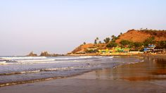 The awe-inspiring Miramar seaside in Goa is also known for having a 2 miles lengthy shoreline and attractive silvery sand buckle. Further, the seaside is also popular for providing wonderful views of the age-old Aguada Citadel, which is known for its isolation and relaxing atmosphere.