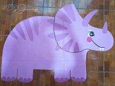 Decoración de Dinosaurios hecho con papel de color. Más fotografías dando clic a la imagen.