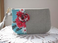 Linen Wristlet  Clutch Zipper Gadget Pouch by Antiquebasketlady, $12.99