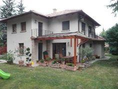 Hangulatos mediterrán terasz Pergola, Shed, Outdoor Structures, Cabin, Architecture, House Styles, Fa, Varanasi, Home Decor