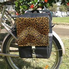 Alforja de bicicleta...animal print. #alforjaskayladesign en instagram y facebook. #enbiciesmejor