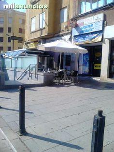 Cafeter�a muy bien montada y en pleno funcionamiento, muy buena zoma, barrio de Benimaclet, siempre repleta de clientes en �poca de estudios much�simo trabajo. rodeada de comercios, se traspasa por operaci�n de la propietaria y cocinera, traspaso por solo