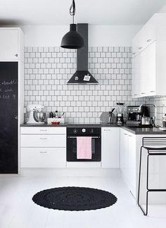 mobila de bucatarie alba amenajare bucatarie in alb Double Vanity, Decorating, Modern, Home Decor, Houses, Atelier, Decor, Decoration, Trendy Tree