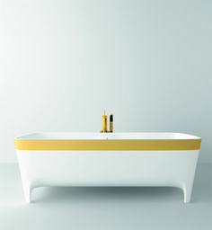 Accademia golden #bathtub, limited edition, so precious, so luxurious #Autoritratti #Teuco