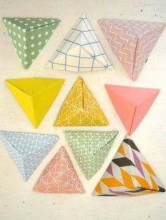 Folding little paper pyramids with Ingrid van Willenswaard from the blog Ingthings