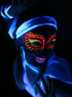 Glow in the Dark Face Paint (Set of 4 Colors) great for Halloween or day of the dead races! Glow Face Paint, Face Paint Set, Neon Painting, Body Painting, Maquillage Phosphorescent, Make Neon, Tinta Neon, Glow Run, Black Light Tattoo