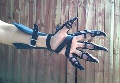 Clawed Dragon Gauntlets / Bracer Claw Gauntlet by FirebirdLeather