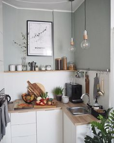 A small practical and functional kitchen with a nice deco asset. - A small practical and functional kitchen with a nice deco asset. Küchen Design, Home Design Decor, Home Decor, Apartment Kitchen, Kitchen Interior, Ikea Interior, Kitchen Dining, Kitchen Decor, Functional Kitchen