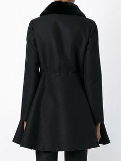 #moncler #monclergammerouge #coat #fur #jacket #women www.jofre.eu