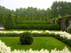 traditional landscape Edith Wharton's The Mount Gardens and Grounds | Amazing with the concept of color in the garden