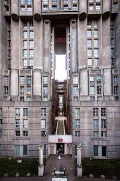 Ricardo Bofill - Taller de Arquitectura || Les Espaces d'Abraxas (Marne-la-Vallée, Paris, France)  || 1978-82
