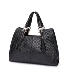 The real leather bag Ester in black. Black Leather Handbags, Leather Purses, Leather Bags, Real Leather, Black Women, Fashion Accessories, Tote Bag, Casual, Ladies Handbags