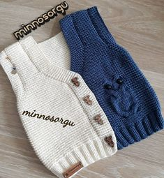 Very Popular Colorful Beaded Baby Booties Knitting - Babykleidung Newborn Crochet Patterns, Crochet Baby Hats, Crochet For Kids, Baby Sweater Knitting Pattern, Knitted Baby Cardigan, Knitted Hats, Baby Vest, Womens Fashion Online, Baby Sweaters