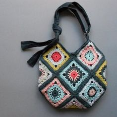 Crochet Granny Square Design Boho Granny Square Bag 001 crochet pattern by bori - Bag Crochet, Crochet Purse Patterns, Crochet Shell Stitch, Crochet Hook Set, Crochet Handbags, Crochet Purses, Granny Square Crochet Pattern, Crochet Squares, Crochet Granny