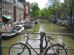 #holanda #amsterdam Bikes and Boats in Summer - Bussines and Marketing: I´m looking forward for a new opportunity about my degrees dinamitamortales@ gmail.com
