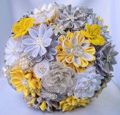 Fabric Wedding Bouquet brooch bouquet Chic Yellow Silver by LIKKO Fabric Bouquet, Broach Bouquet, Wedding Brooch Bouquets, Hand Bouquet, Diy Bouquet, Fabric Flowers, Ribbon Bouquet, Paper Flowers, Kanzashi
