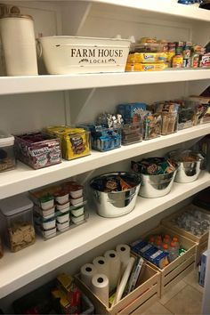 Farmhouse pantry organization - Kitchen organization open shelving - DIY country store shelves to declutter and organize a farmhouse kitchen pantry Diy Kitchen Shelves, Pantry Shelving, Diy Kitchen Decor, Pantry Storage, Kitchen On A Budget, Kitchen Pantry, Open Shelving, Shelving Ideas, Kitchen Reno
