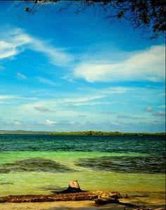Parque Nacional Morrocoy está ubicado en el litoral más oriental del estado Falcón y en el noroeste del Golfo Triste en Venezuela