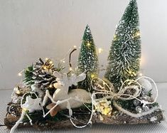 Lampion decoration, for window, door or wall Decorated in Christmas, with all kinds of Christmas ingredients + 2 battery powered tea lights, incl. Gold Christmas Tree, Christmas Tree Decorations, Christmas Crafts, Holiday Decor, Xmas Wreaths, Diy Garden Decor, Diy And Crafts, Etsy, Desk Arrangements