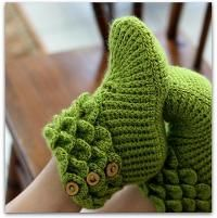 Crocodile Boots - Made these for Jade's mom for Christmas. They look great, but I don't know when I'll want to make them again...