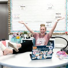 Hip, Hip, Hooray it's Fri-YAY🌟 Don't let this {almost} clean desk fool you, I'm definitely a type B teacher. To all my type A teachers I…