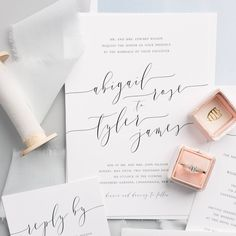 We can't get enough of our Romantic Calligraphy suite! Beautifully complimented by the ever so gorgeous @the_mrs_box❤️