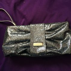 3 for 20HPVS Glitter Wristlet✨ Host Pick 6/21 Casual Cool Party✨NWOT✨ super sparkly and cute. ❌lowest unless bundled❌ Offers always considered Victoria's Secret Bags